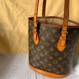 Louis Vuitton Petite Bucket Bag